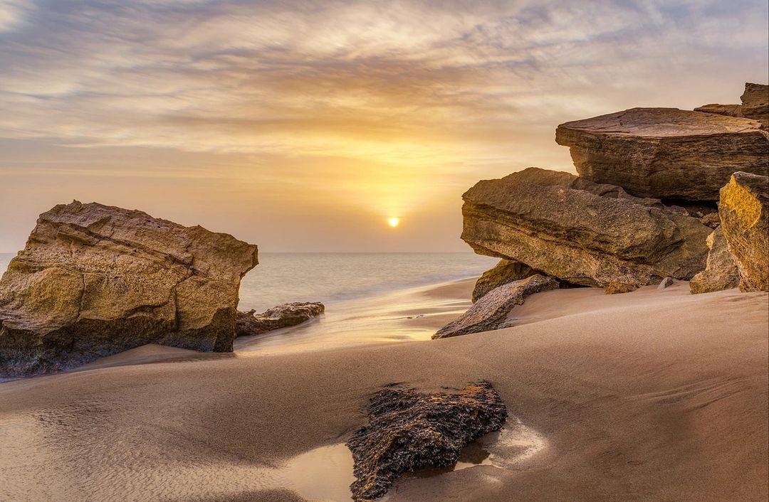 نمایی از ساحل چابهار دریای عمان