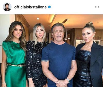 سیلوستر استالونه در کنار دخترانش