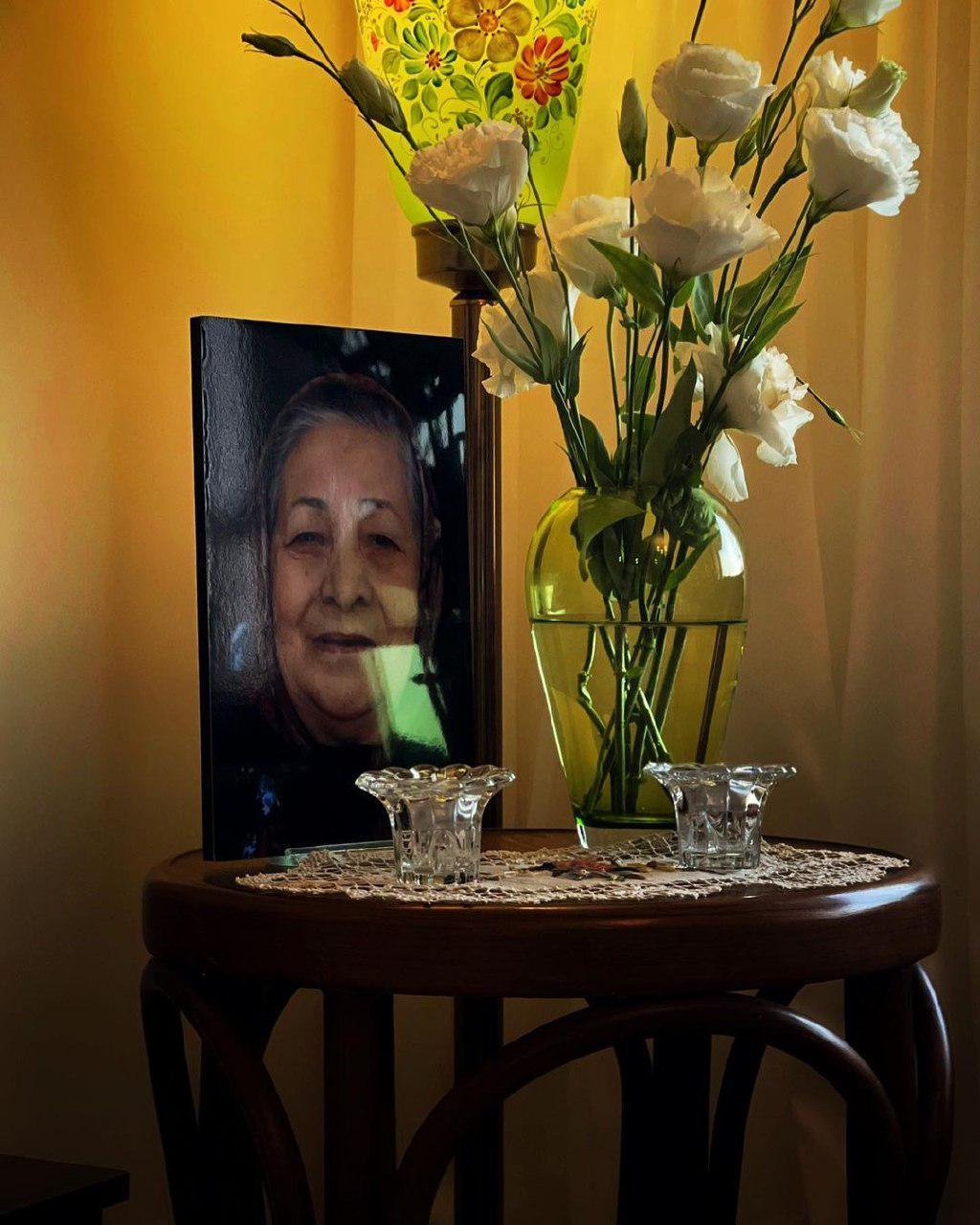 دلتنگی های امیر آقایی برای مادرش + عکس
