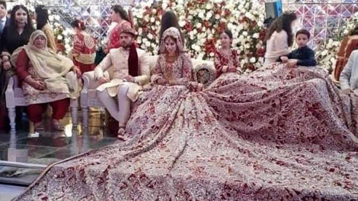 لباس عجیب عروس پاکستانی سوژه شد + عکس