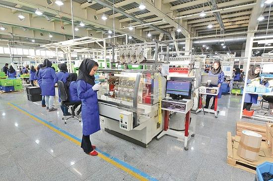 شرایط عجیب یک شرکت قطعهساز برای زنان کارگر
