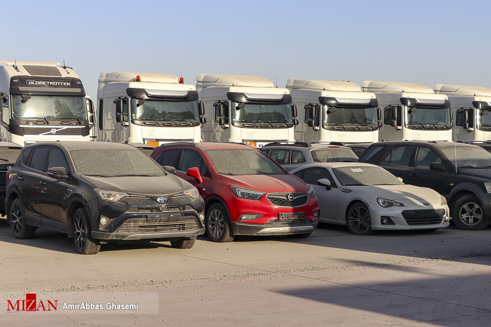خودروهای لوکس دپو شده در گمرک تهران + عکس