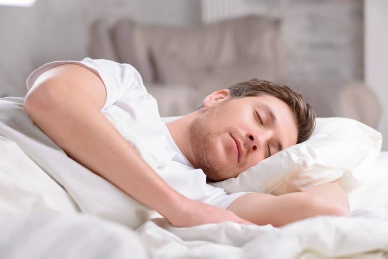 برهنه نخوابید+ علت