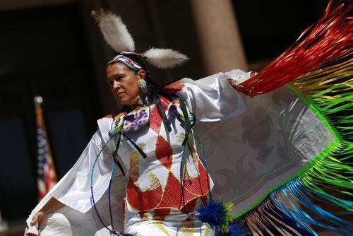 از روز بومیان آمریکا تا پایان قرنطینه سیدنی