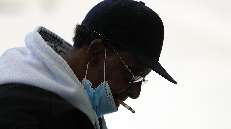 آیا سیگاریها واقعا کمتر به بیماری کووید۱۹ مبتلا میشوند؟
