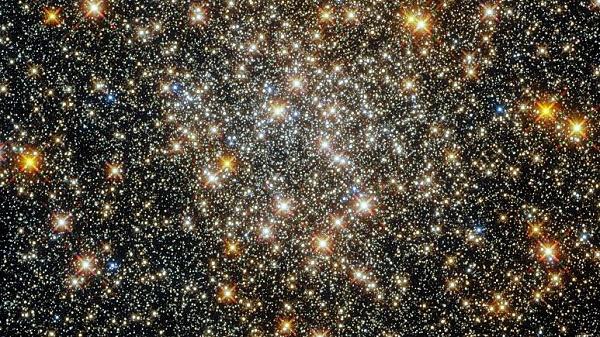 میلیونها ستاره نورانی در یک قابِ هابل