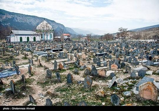 قبرستان ۱۲۰۰ ساله سفید چاه در مازندران +عکس