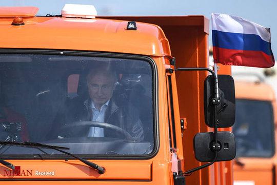 پوتین راننده کامیون شد +تصاویر