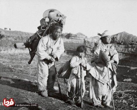 خانواده ای از پناهجویان کره ای که از ارتش ژاپن میگریزند-سال 1904