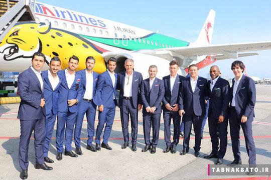 بازیکنان و اعضای تیم ملی ایران پس از فرود هواپیما در مسکو