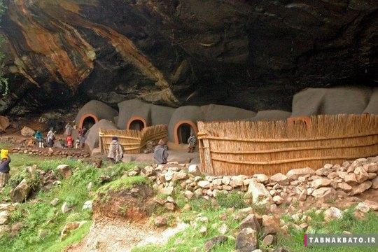 خانه های منحصر به فرد معروف به خانه های غار در روستای ماتیکا در جنوب آفریقا