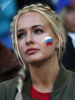 هوادار قبل از بازی صربستان و سوئیس