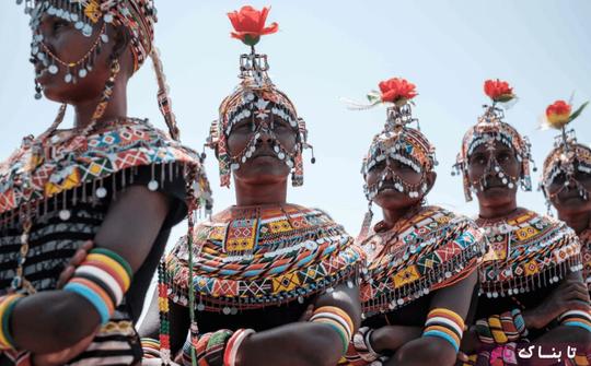کنیا: زنان قبیله رِندیل منتظرند تا نوبت رقص آنها در جشنواره فرهنگی ای در شمال کنیا فرا برسد