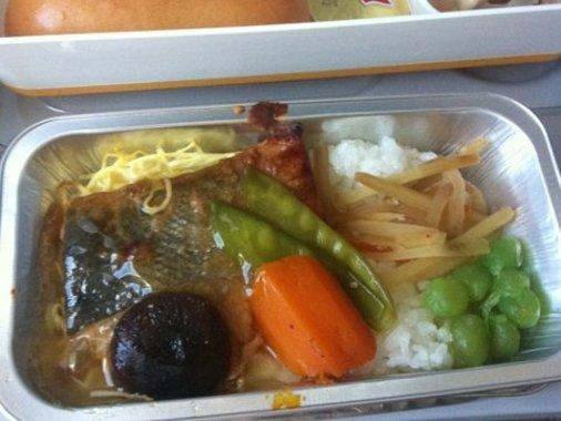 وعده های غذایی برخی خطوط هوایی