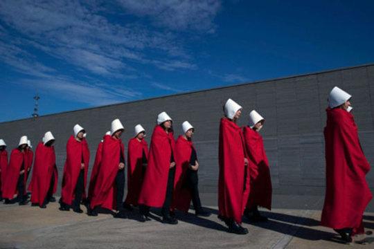 گروهی از زنان حامی قانونی کردن سقط جنین در کانادا