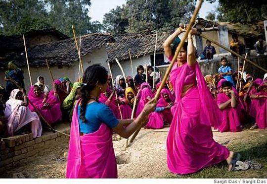 جشنواره چوب زنی زنان در هند