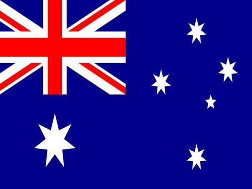 پرچم استرالیا در سال1901 طراحی شد، پرچم بریتانیا در گوشه آن نشانه جزئی از امپراتوری بریتانیا بودن است. زمینه آبی هم در تمام پرچم های مستعمرات بریتانیا آمده است. 6 ستاره نشانه 6 ایالت در استرالیاست.