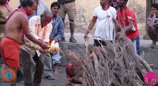 ایین مرده سوزی هندوها٬ رودخانه گنگ٬ سوزاندن اجساد توسط هندوها٬ سوزاندن اجساد در هند