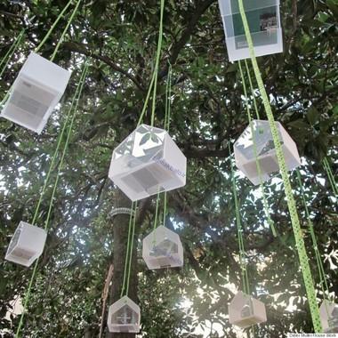 کتابخانه آویزان از درخت، لیون، فرانسه