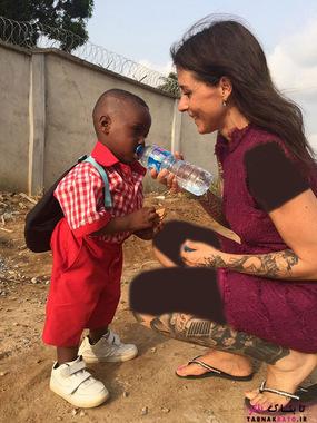 تصاویر تکان دهنده از نجات کودک گرسنه آفریقایی