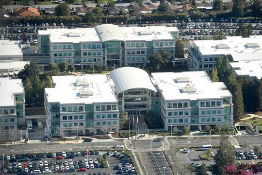 ساختمان های مرکزی شرکت اپل در کوپرتینو؛ عکس هوایی از Noah Berger