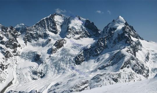 سوئیس ۲۰۸ کوه با ارتفاع بالغ بر ۳۰۰۰ متر و ۲۴ کوه با ارتفاعی بالغ بر ۴۰۰۰ متر دارد.