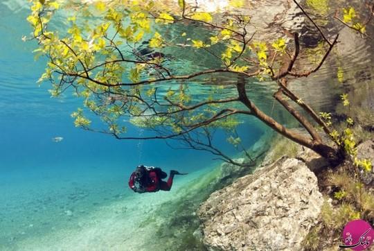 دریاچه گرونر واقع در جنگل tragöß اتریش