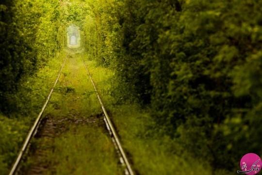 راه آهن معروف به تونل عشق، اوکراین
