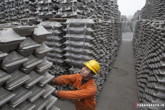 بررسی شمشهای آلومینیوم صادراتی در کینگدائو پورت استان شاندونگ در کشور چین