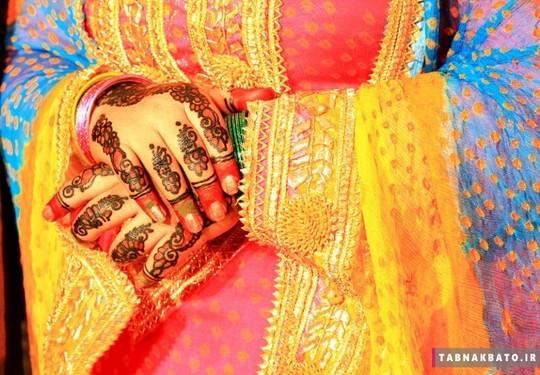 لاهور، پا تان، طراحی با حنا روی دست و ناخن عروس هنر مرسوم در کشورهای هند و پا تان است