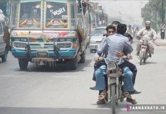 نمایی از انواع وسایل نقلیه در خیابان های پا تان