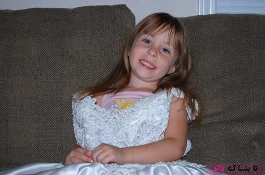 هر سال یوروس می توانست دخترش را ببیند که چگونه به یک خانم زیبا و دوست داشتنی تبدیل می شود