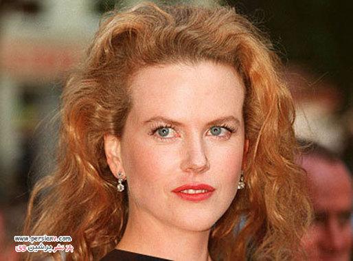 """1999 مدل موی باز نیکول کیدمن در فیلم """"چشمان کاملا بسته"""" که نقش مقابل همسر سابقش تام کروز را بازی می کرد."""