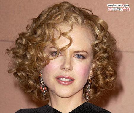 """2003 در این سال نیکول از تام کروز طلاق گرفته است. بابای استایلیست مو معروف در مورد این مدل مو می گوید: """" نیکول گردنی بلند دارد ، بنابراین مدل مو کوتاه کاملا به او می آید."""""""