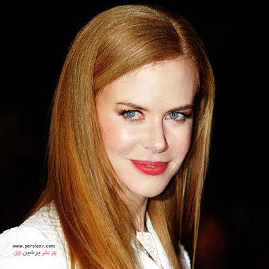 """2009 نیکول کیدمن در افتتاحیه فیلم """"Nine"""" موهای روشن خود را با رژلب نارنجی- قرمز برجسته تر کرده است."""