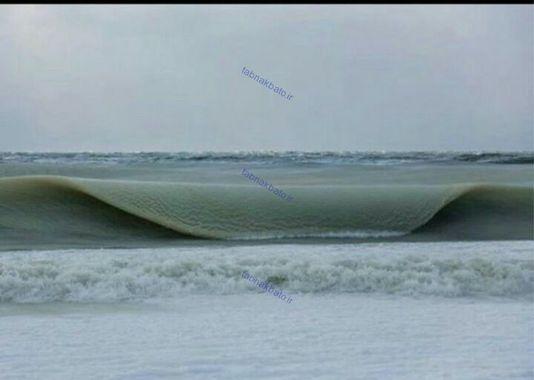 موج های یخ زده در روسیه