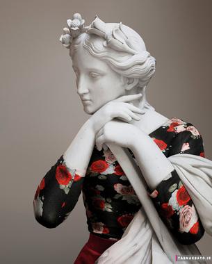 مجسمه های موزه ی لوور در لباس های مُد روز