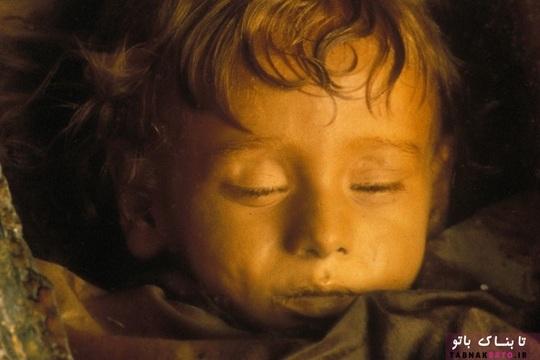 روزالیا لومباردو کودکی ایتالیایی است که در سیزدهم دسامبر سال 1918 در پالرمو، سیسیلی ایتالیا به دنیا آمد. این دختر در ششم دسامبر 1920 براثر ذات الریه درگذشت.