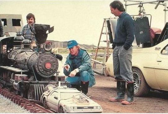 ضبط صحنه پرواز در فیلم بازگشت به آینده