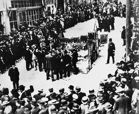 سوزاندن نگاری ها در سال ۱۹۱۹