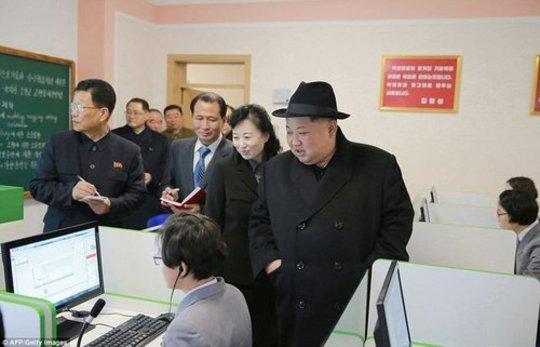 مردم کره شمالی کیم جونگ اون عکس کره شمالی زندگی در کره شمالی زن کره شمالی رهبر کره شمالی تحریم کره شمالی اخبار کره شمالی