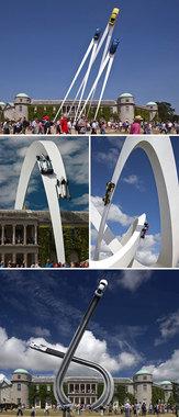 مجسمه خودروهای در حال پرواز – اثری از جری جودا